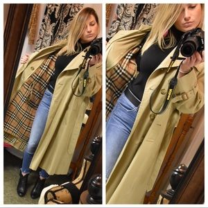 🌟Burberry Trench🌟